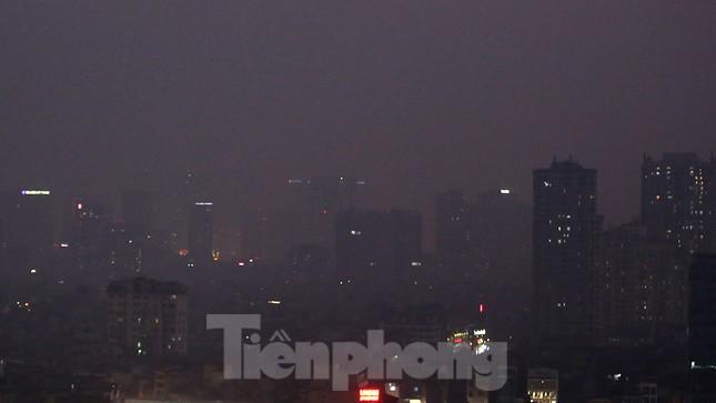 Mưa phùn phủ khắp Hà Nội ngày 27 Tết ảnh 15