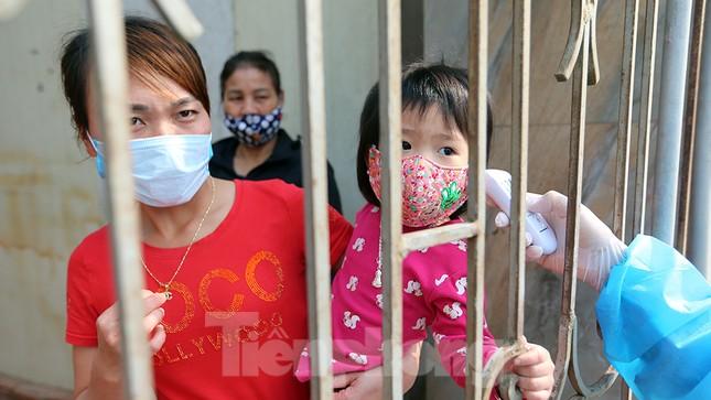 Cuộc sống trong thôn Hạ Lôi sau hơn mười ngày 'cấm cung' vì COVID-19 ảnh 4