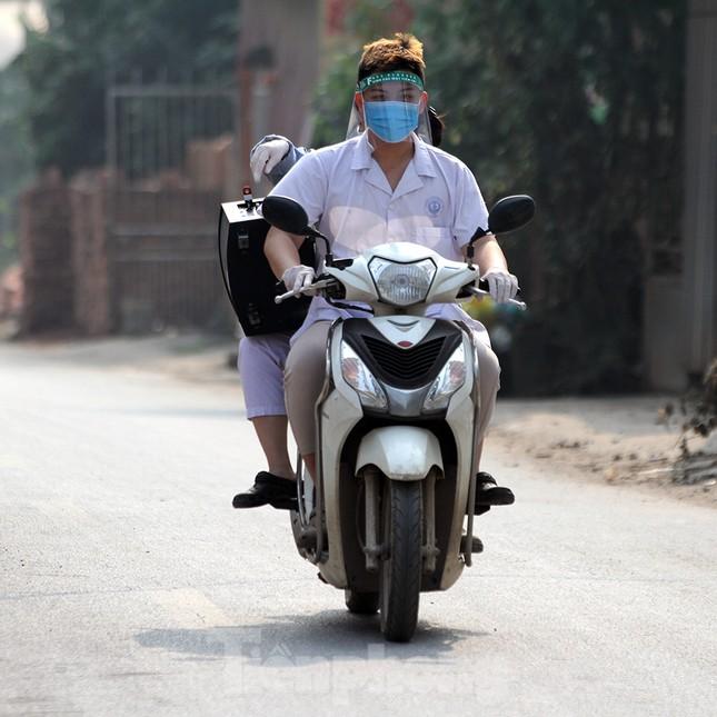 Cuộc sống trong thôn Hạ Lôi sau hơn mười ngày 'cấm cung' vì COVID-19 ảnh 10