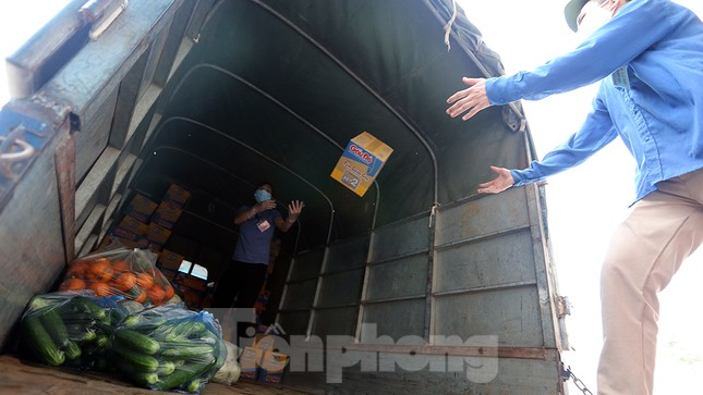 Cuộc sống trong thôn Hạ Lôi sau hơn mười ngày 'cấm cung' vì COVID-19 ảnh 12