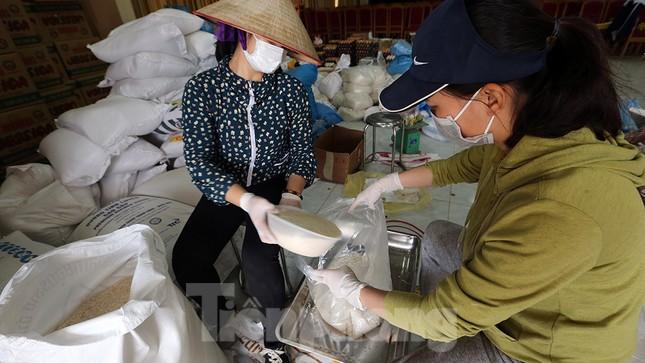 Cuộc sống trong thôn Hạ Lôi sau hơn mười ngày 'cấm cung' vì COVID-19 ảnh 15