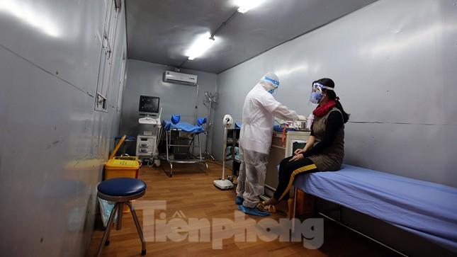 Cận cảnh phòng khám dã chiến bằng container ở bệnh viện phụ sản T.Ư ảnh 1