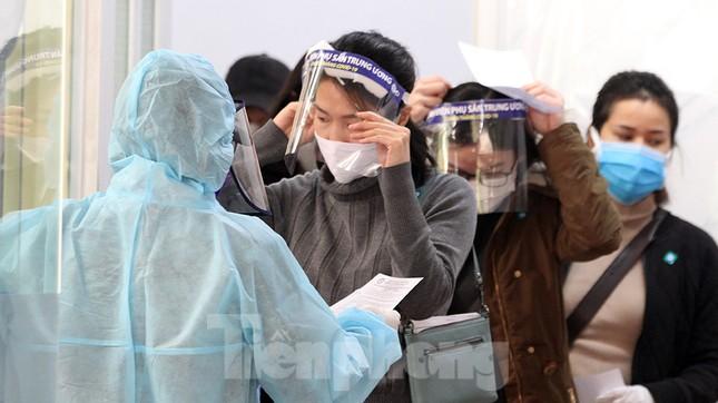 Cận cảnh phòng khám dã chiến bằng container ở bệnh viện phụ sản T.Ư ảnh 4