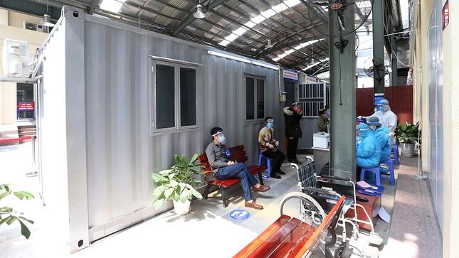 Cận cảnh phòng khám dã chiến bằng container ở bệnh viện phụ sản T.Ư ảnh 6