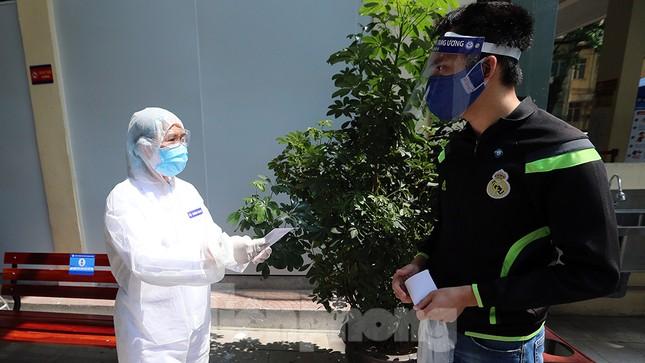 Cận cảnh phòng khám dã chiến bằng container ở bệnh viện phụ sản T.Ư ảnh 13