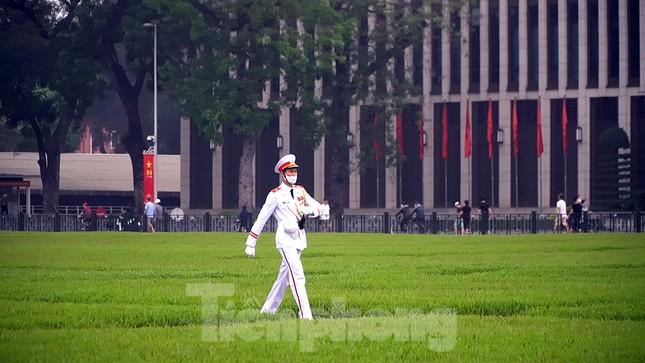 Lễ thượng cờ đặc biệt mừng chiến thắng 30/4 tại Quảng trường Ba Đình ảnh 2