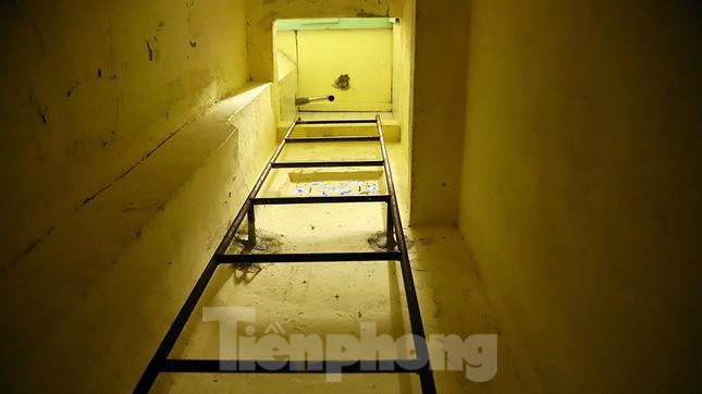 Bên trong hầm bí mật từng chứa hàng tấn vũ khí của biệt động Sài Gòn ảnh 3