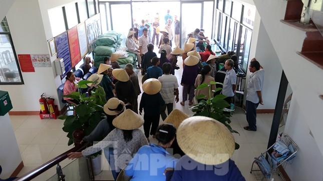 Trao tặng 50 tấn gạo cho ngư dân Quảng Ngãi ảnh 10