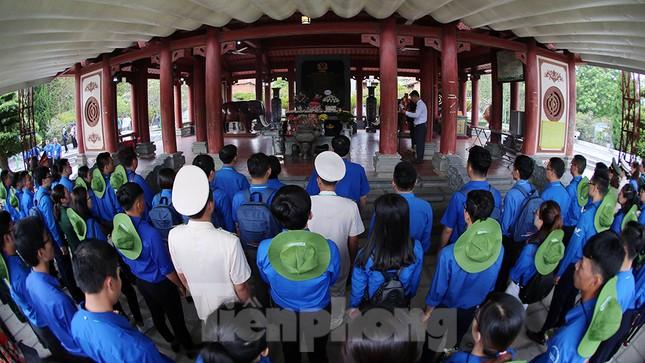 Thành kính dâng hương tại khu di tích quốc gia đặc biệt Truông Bồn ảnh 4