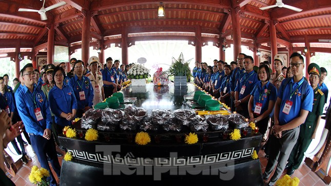 Thành kính dâng hương tại khu di tích quốc gia đặc biệt Truông Bồn ảnh 5