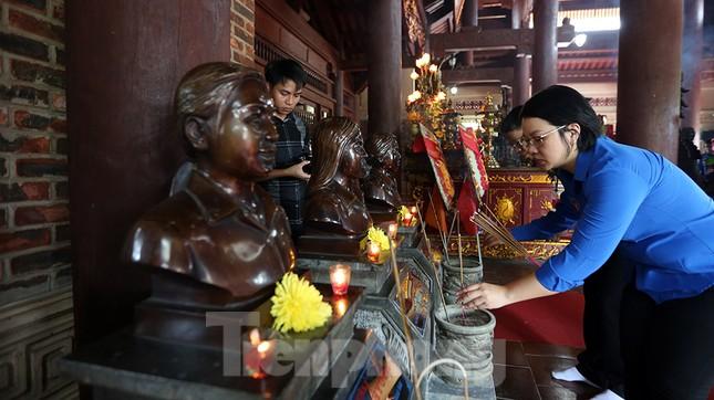 Thành kính dâng hương tại khu di tích quốc gia đặc biệt Truông Bồn ảnh 8