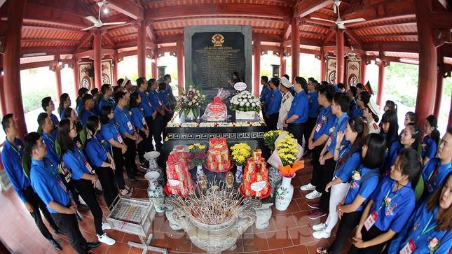 Thành kính dâng hương tại khu di tích quốc gia đặc biệt Truông Bồn ảnh 10