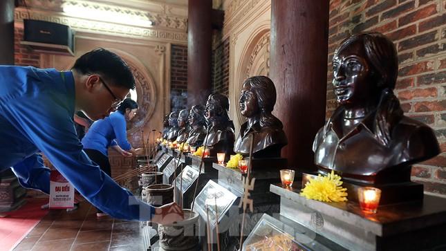 Thành kính dâng hương tại khu di tích quốc gia đặc biệt Truông Bồn ảnh 12