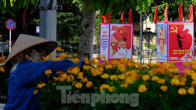 Nhìn từ trên cao những cung đường rực rỡ cờ hoa ở Hà Nam ảnh 19