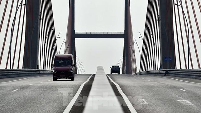 Ngắm cây cầu được ví là đòn bẩy phát triển kinh tế Quảng Ninh ảnh 4