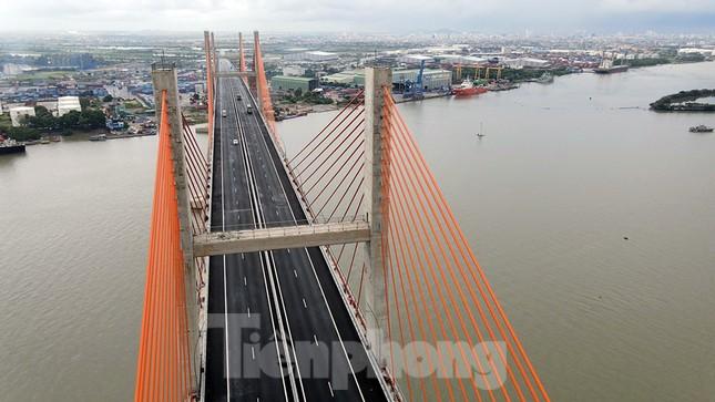 Ngắm cây cầu được ví là đòn bẩy phát triển kinh tế Quảng Ninh ảnh 7