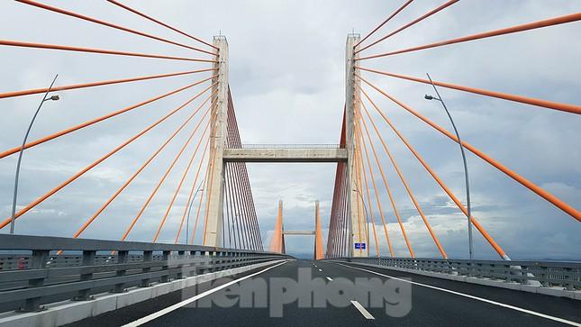 Ngắm cây cầu được ví là đòn bẩy phát triển kinh tế Quảng Ninh ảnh 8