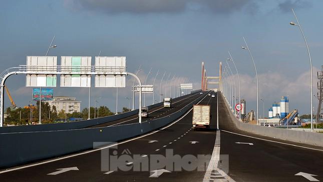 Ngắm cây cầu được ví là đòn bẩy phát triển kinh tế Quảng Ninh ảnh 10