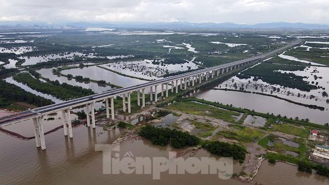 Ngắm cây cầu được ví là đòn bẩy phát triển kinh tế Quảng Ninh ảnh 11