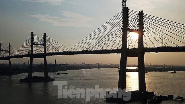Ngắm cây cầu được ví là đòn bẩy phát triển kinh tế Quảng Ninh ảnh 12