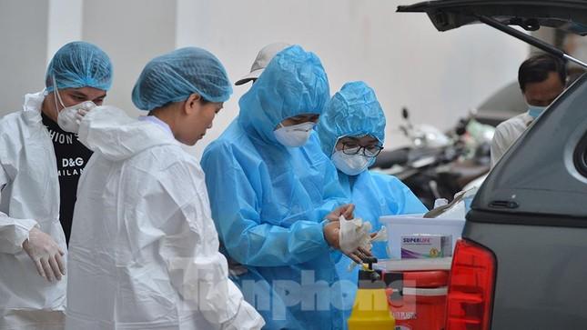 Hà Nội: Phong toả toà nhà Central Point có hai vợ chồng dương tính SARS-CoV-2 ảnh 2