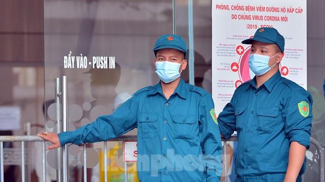Hà Nội: Phong toả toà nhà Central Point có hai vợ chồng dương tính SARS-CoV-2 ảnh 7