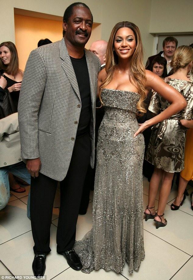 Beyonce bị tố lợi dụng tin đồn ly hôn để bán vé show ảnh 1