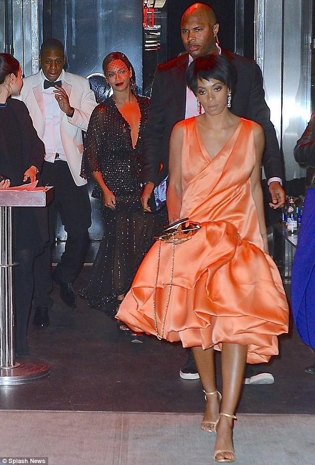 Beyonce bị tố lợi dụng tin đồn ly hôn để bán vé show ảnh 4