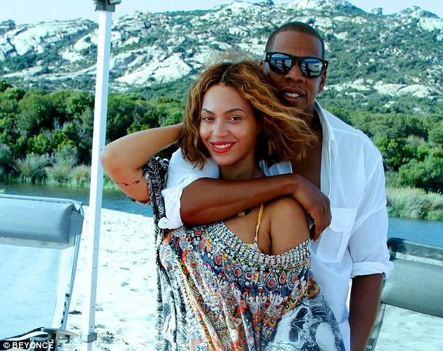 """Beyonce tung ảnh mặc bikini """"đập tan"""" tin đồn bầu bí ảnh 3"""
