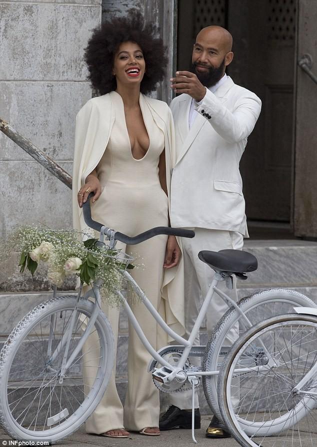 Beyonce bế con tới dự đám cưới của em gái ảnh 6