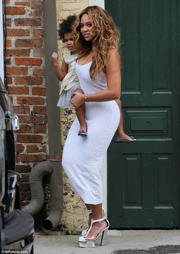 Beyonce bế con tới dự đám cưới của em gái ảnh 2