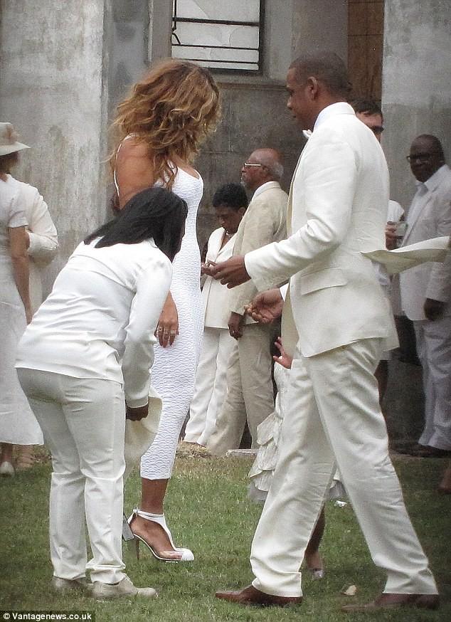 Beyonce bế con tới dự đám cưới của em gái ảnh 8