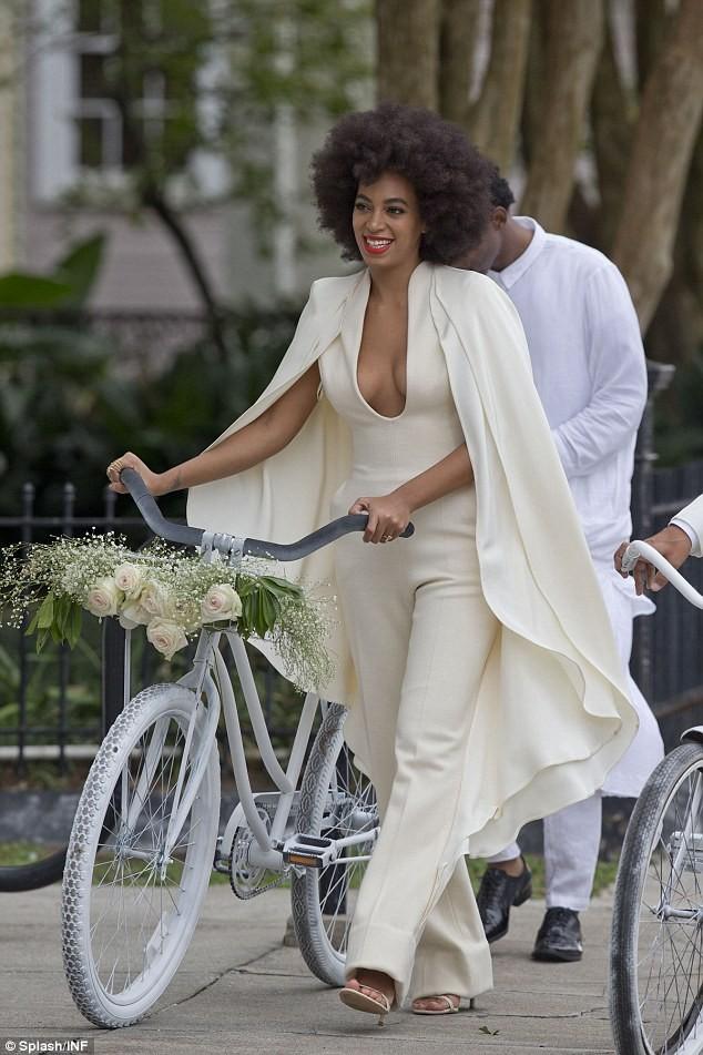 Beyonce bế con tới dự đám cưới của em gái ảnh 5