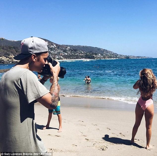 Bạn gái 'tin đồn' của Justin Bieber khoe thân hình bốc lửa ảnh 7