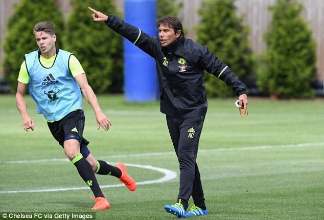 HLV Conte 'thổi lửa' cho Chelsea ngay ngày ra mắt ảnh 1