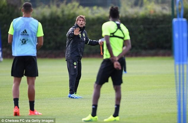 HLV Conte 'thổi lửa' cho Chelsea ngay ngày ra mắt ảnh 8