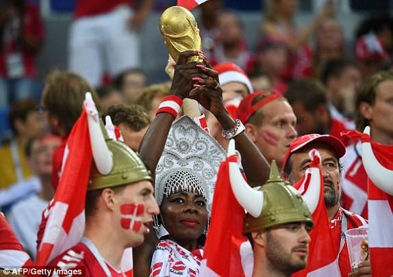 Croatia vào tứ kết sau trận thắng 'vỡ tim' trên chấm 11m ảnh 25
