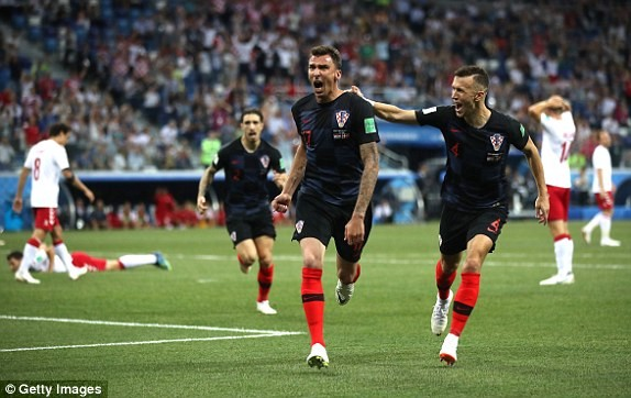 Croatia vào tứ kết sau trận thắng 'vỡ tim' trên chấm 11m ảnh 13
