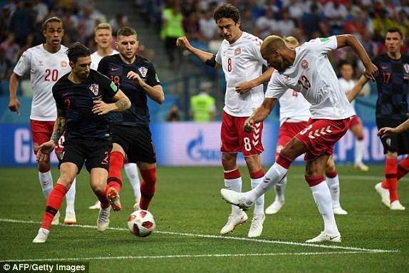 Croatia vào tứ kết sau trận thắng 'vỡ tim' trên chấm 11m ảnh 9