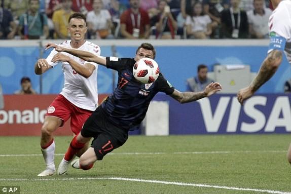 Croatia vào tứ kết sau trận thắng 'vỡ tim' trên chấm 11m ảnh 15
