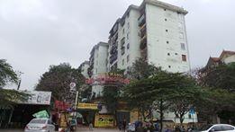 Chủ tịch Hà Nội yêu cầu sửa ngay thang máy nơi dân phải leo mái nhà ảnh 1