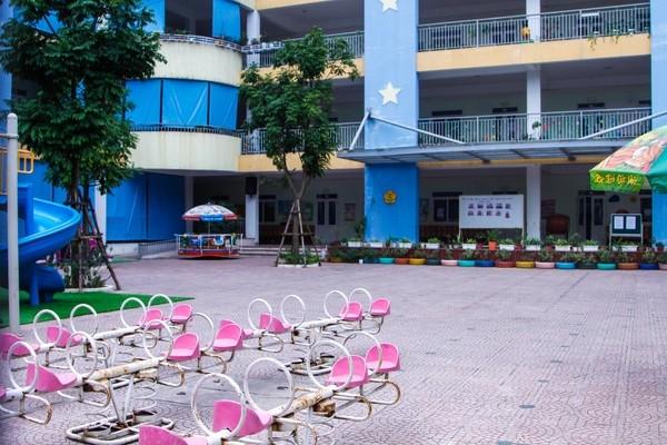 Nhiều trường học Thủ đô đóng kín cửa, không một bóng người ảnh 3