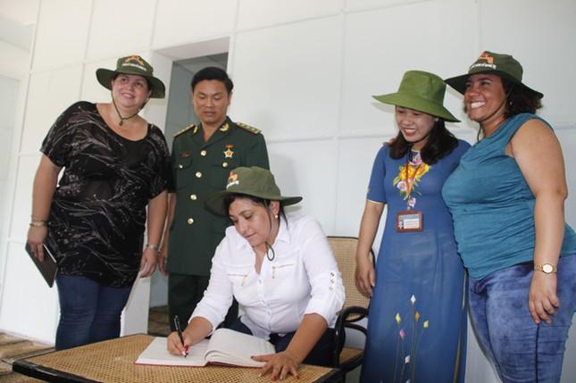 Đoàn đại biểu cấp cao T.Ư Đoàn TNCS Cuba thăm Quảng Trị ảnh 12