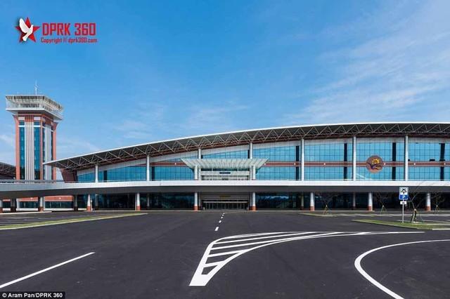 Sân bay 200 triệu đô từng là căn cứ quân sự của Triều Tiên ảnh 9