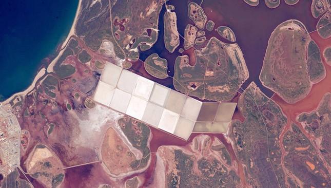 NASA công bố 15 hình ảnh ấn tượng nhất về trái đất năm 2015 ảnh 9