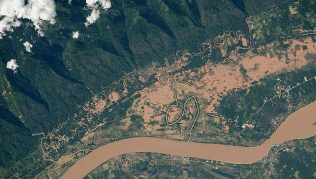 NASA công bố 15 hình ảnh ấn tượng nhất về trái đất năm 2015 ảnh 12
