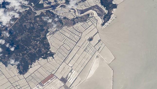 NASA công bố 15 hình ảnh ấn tượng nhất về trái đất năm 2015 ảnh 14