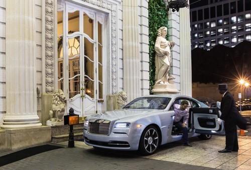 Khi chủ xe Rolls-Royce 'không xu dính túi' ảnh 5