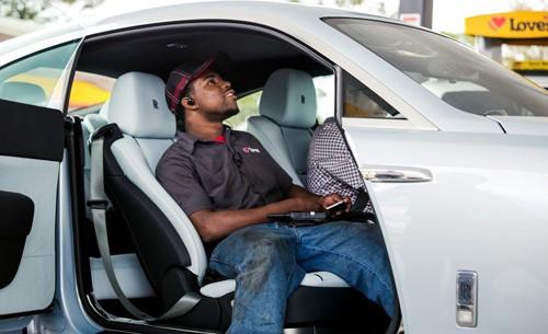 Khi chủ xe Rolls-Royce 'không xu dính túi' ảnh 4