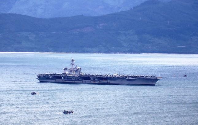 Hôm nay 'đại bàng vàng' USS Carl Vinson của Hạm đội 7 Mỹ rời Đà Nẵng ảnh 1